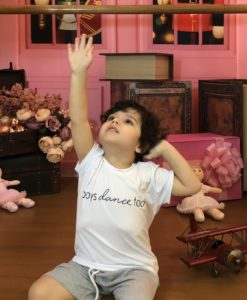T-shirt Infantil masculina Boys Dance too