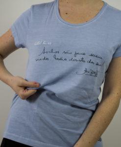 T-Shirt Lelê Sonhos com bordado